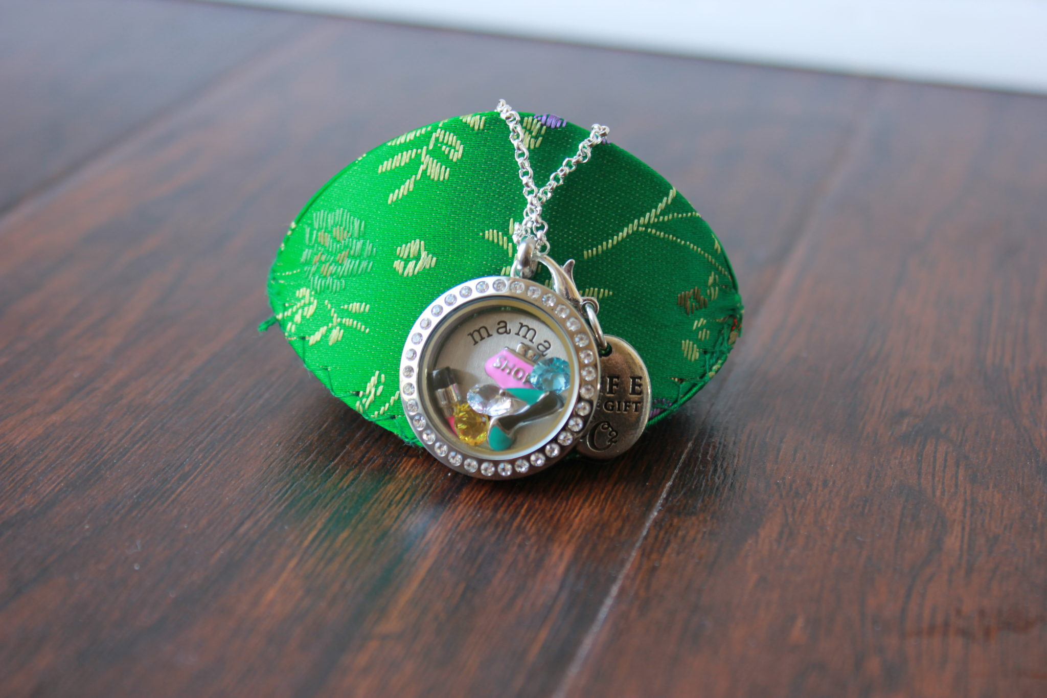 Origami Owl review and giveaway | The Fashionista Momma - photo#39