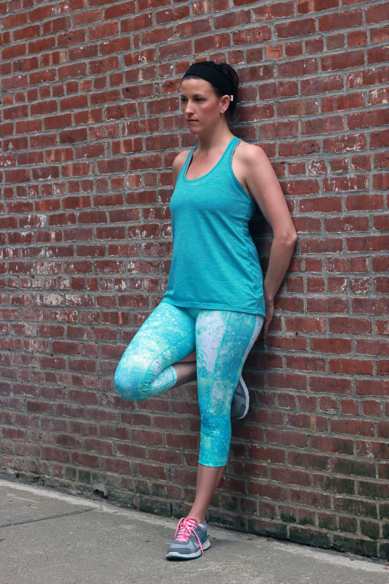 88c4b72ffd5722 Today I wanted to share my new workout gear from Old Navy. If you see a  woman in bright colors, pushing a stroller, running through New York City,  ...