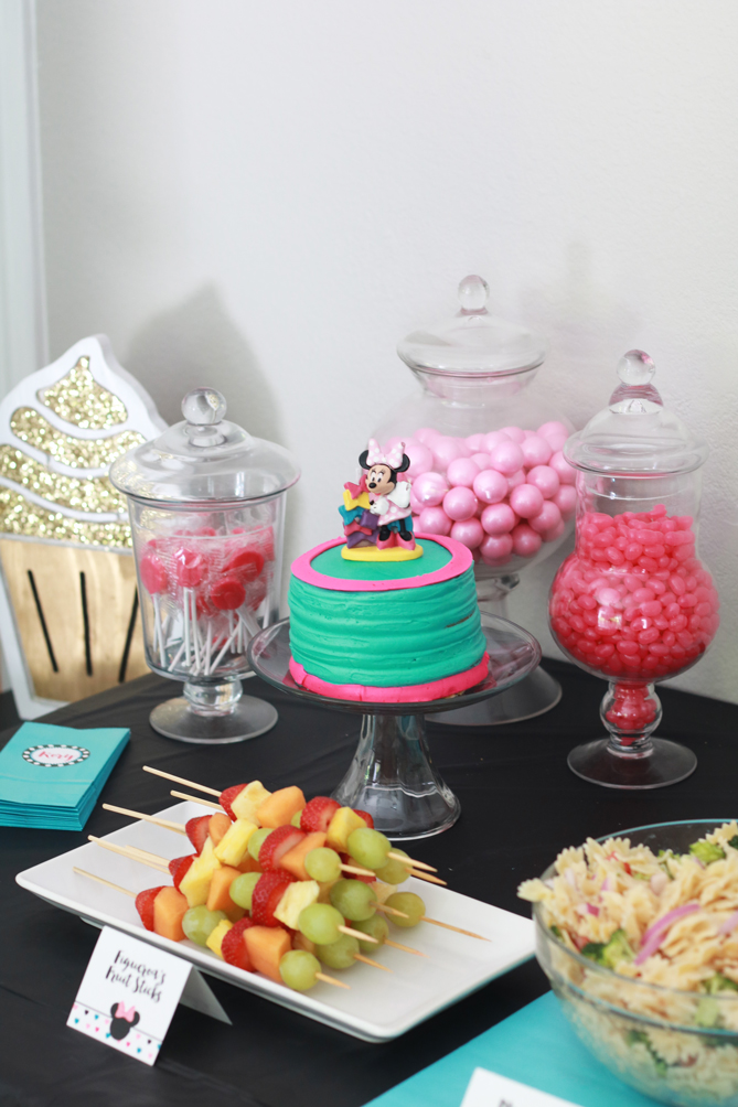 minnie-mouse-party1
