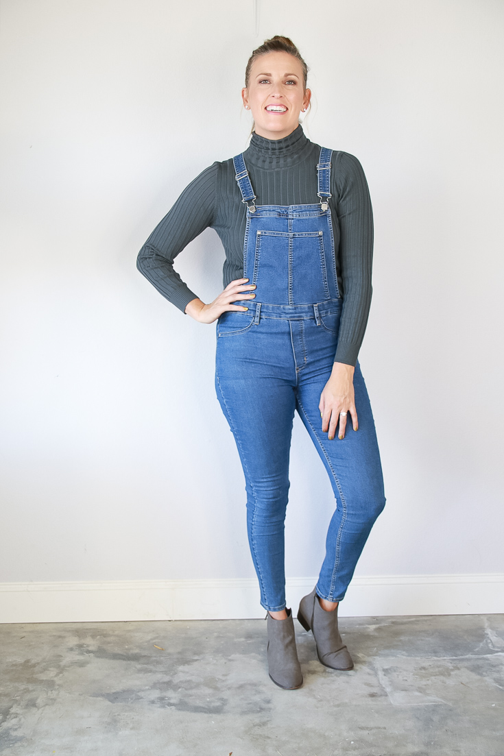 The Fashionista Momma shares 3 ways to wear overalls for fall.