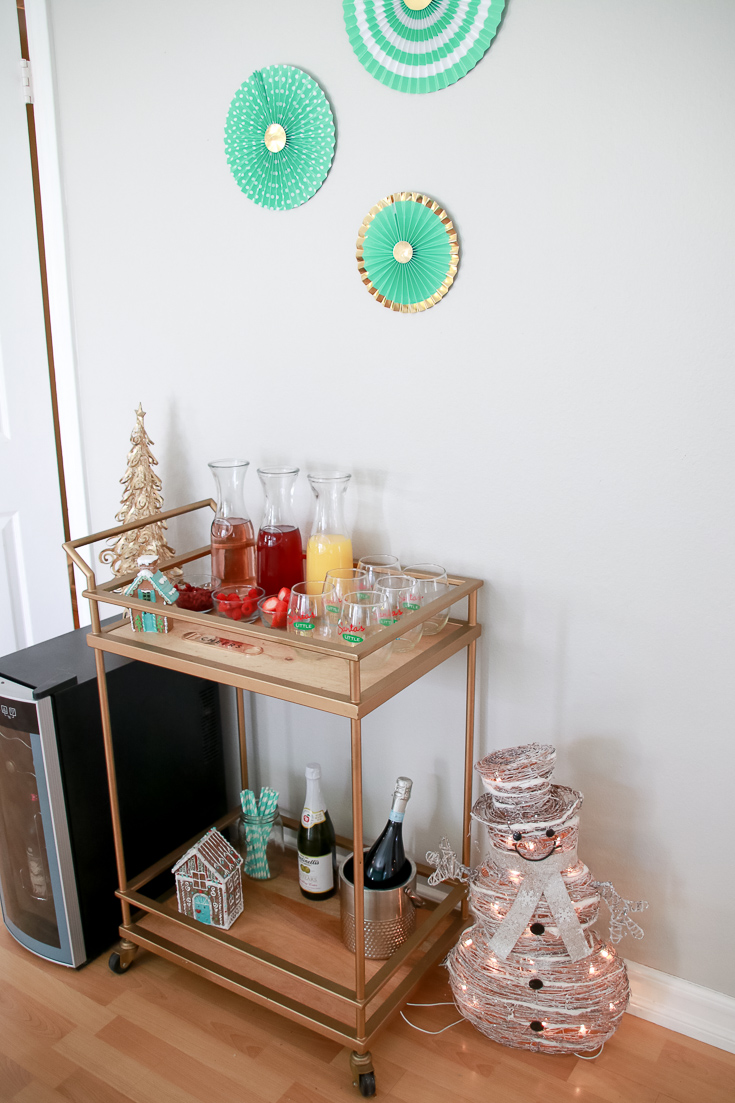 The Fashionista Momma shares an easy and fun Gingerbread and Mimosa Party perfect for the holidays with kids.
