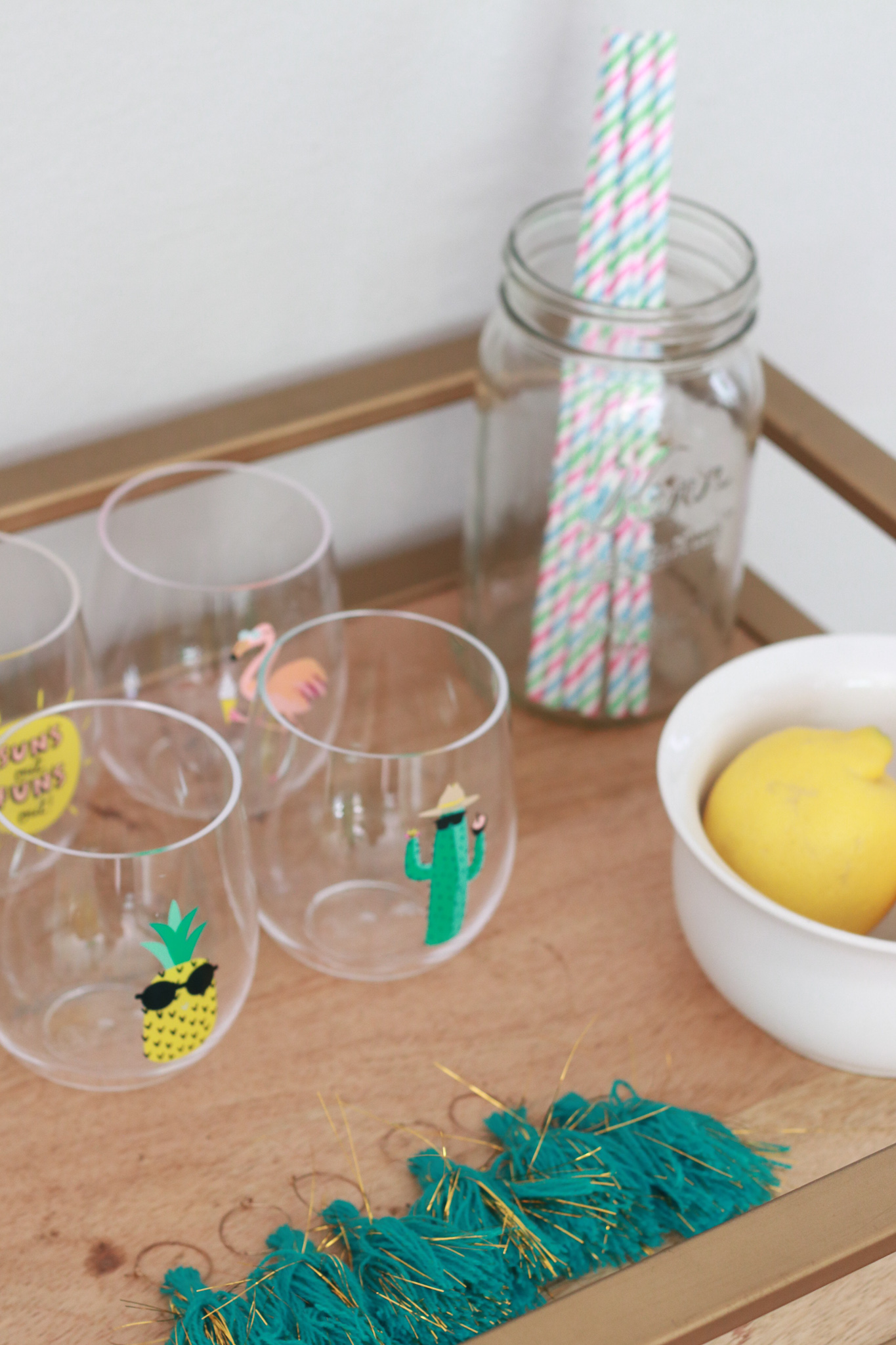 The Fashionista Momma styles a summer decor to host all of your summer parties.