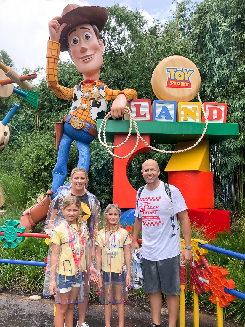 Popular US Travel Blogger, The Fashionista Momma shares her tips to Disney HollywoodStudios with kids; family at Toy Story Land.