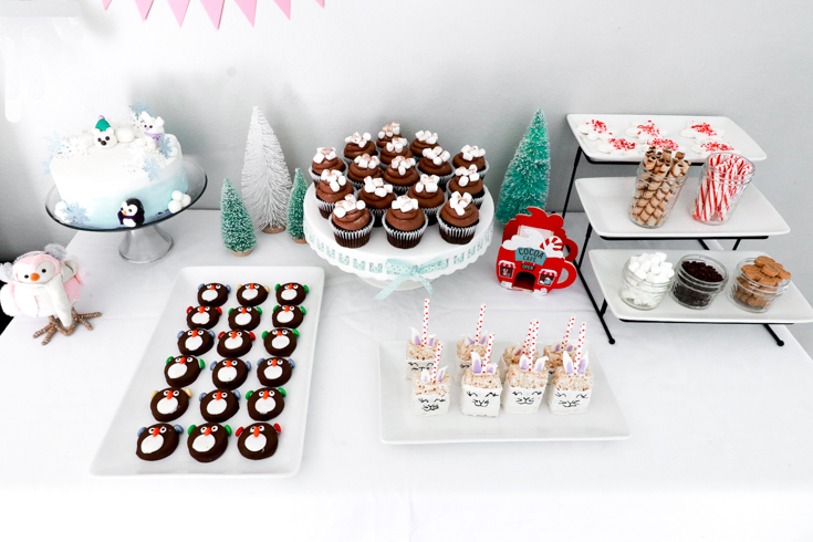 How To Host A Kids Winter Wonderland Birthday Party featured by top US Party Blog, The Fashionista Momma; Winter Birthday Tablescape