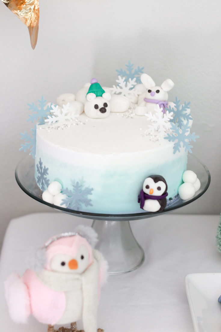 How To Host A Kids Ugly Sweater Birthday Party featured by top US Party Blog, The Fashionista Momma; Winter Animal Cake