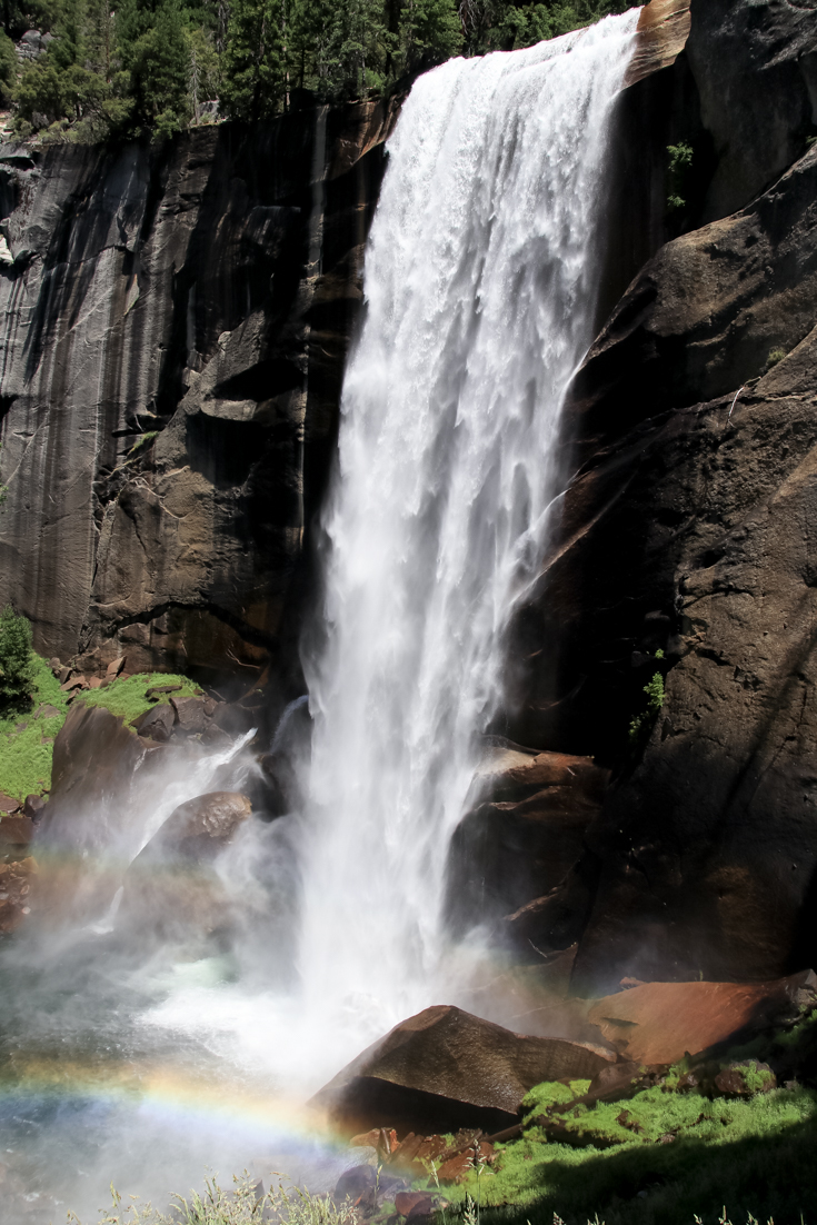 Family Hike To Vernal Falls featured by popular US Family Blogger, The Fashionista Momma; image of vernal falls, yosemite
