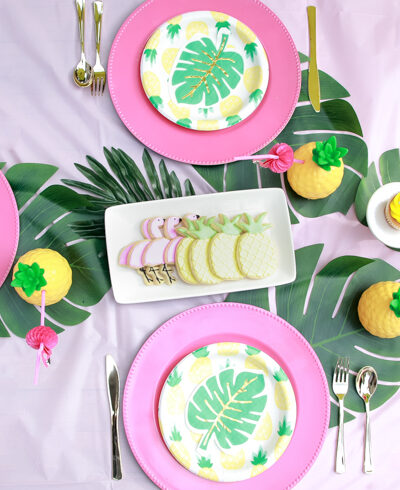 Flamingo Pineapple Party featured by Top US Party Blogger, The Fashionista Momma; flamingo pineapple party tablescape