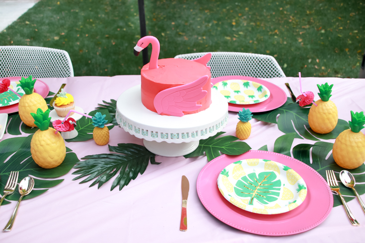 Flamingo Pineapple Party featured by Top US Party Blogger, Style & Wanderlust; flamingo cake made with Wilton Flamingo Kit.