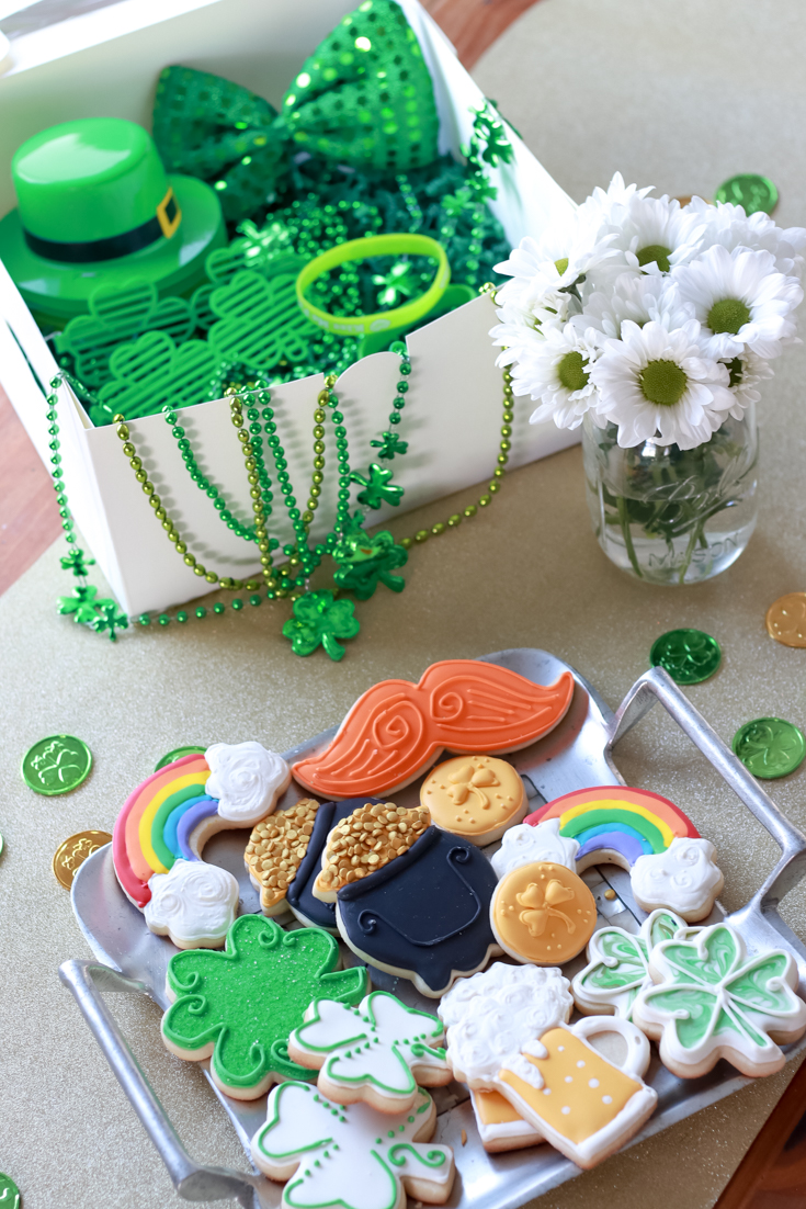 The Perfect Family St. Patrick's Day party featured by Style & Wanderlust, popular US Party Blogger; custom sugar cookies by Sweet Celebrations by Hannah.
