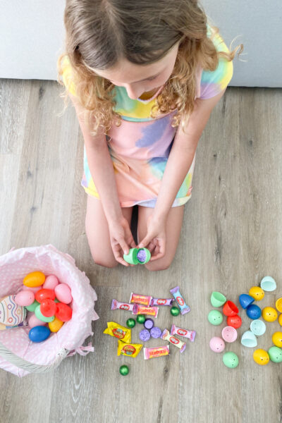 5 Fun Easter Party Ideas For The Whole Family featured by Top US Party Blogger, Style & Wanderlust. The Ultimate Easter Brunch Spread.