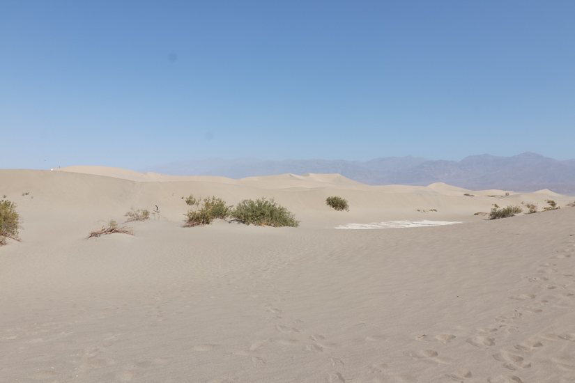 Popular US Travel Blogger, Style And Wanderlust, shares 5 Must See Places In Death Valley National Park; Mesquite Flats Sand Dunes.