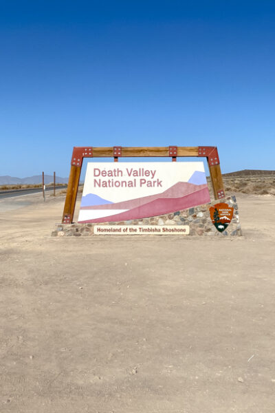 Popular US Travel Blogger, Style And Wanderlust, shares 5 Must See Places In Death Valley National Park.